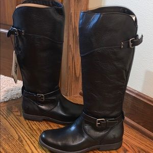 NWT FRYE black Leather boots